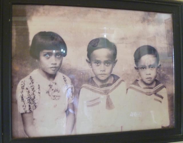 The Sultan's young children in Queensland
