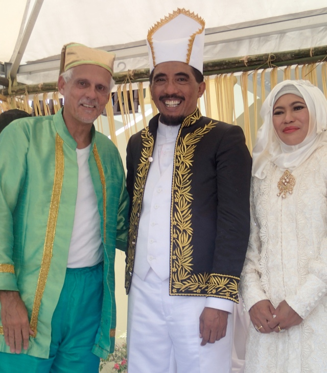 Randall Rutledge with the Sultan and his wife