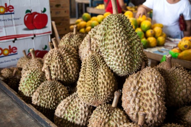 Durian-market-Philippines-720x479