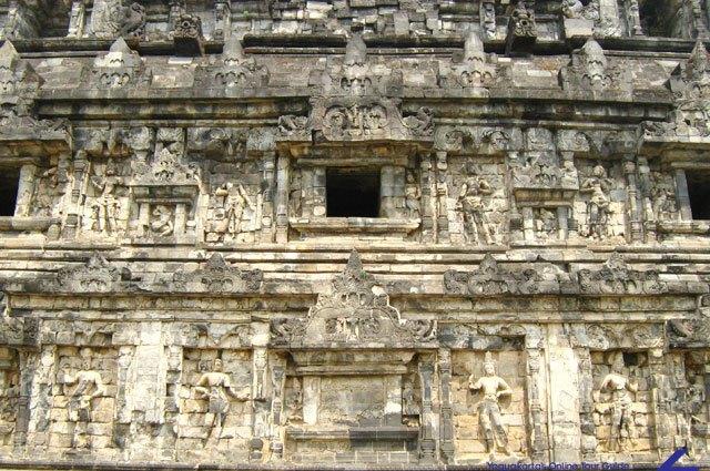 candi-sari-relief