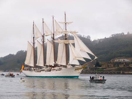 17913933-ferrol-spain-february-15-spanish-navy-training-ship-juan-sebastian-de-elcano-on-february-15-2013-in-